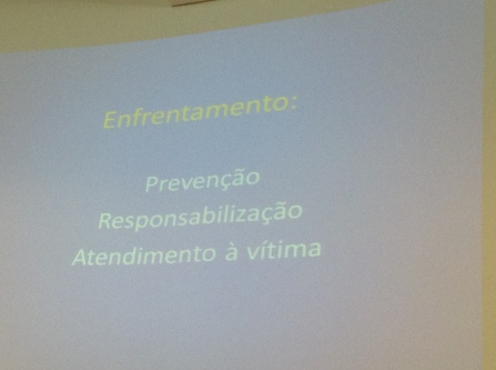 """""""O enfrentamento ao tráfico de pessoas se dá em três pilares: prevenção, responsabilização e atendimento à vítima"""". Priscila Siqueira"""