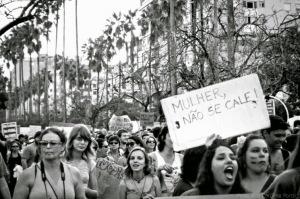 violencia_mulher_omissao_universidades