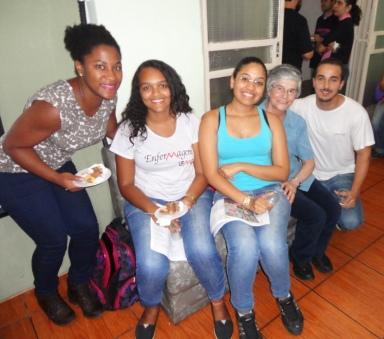 Estudantes de Enfermagem da UFMG e Ir. Ivoni Grando